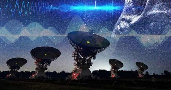 Des astronomes ont détecté 8 nouveaux sursauts rapides répétitifs provenant de l'espace profond