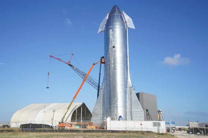 Elon Musk dévoile le Starship, la fusée de SpaceX qui emmènera des humains dans l'espace