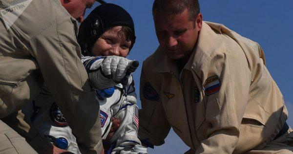 Première intervention de l'histoire humaine de la police dans l'espace