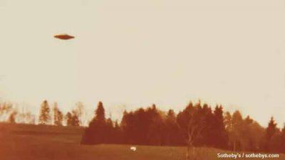 Les photos emblématiques de soucoupes volantes de Billy Meier sont mises aux enchères