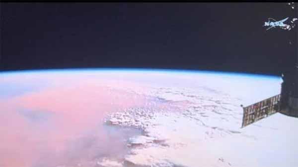 Quelque chose est apparu en direct aux abords de l'ISS