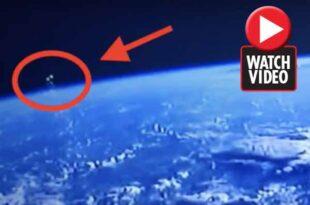 Des OVNIs survolent la Terre avant de disparaitre
